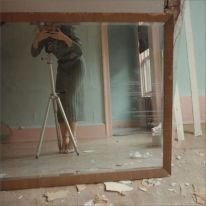 francesca-woodman-self-portrait-self-timer-1979